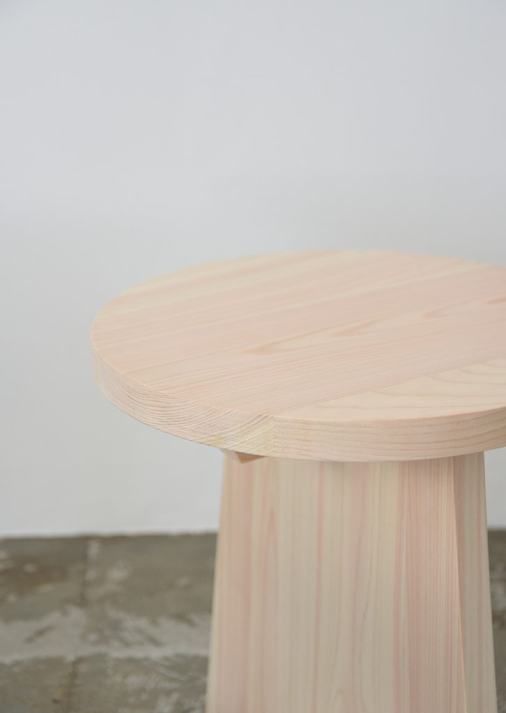 ihållandeオリジナルのヒノキスツール/サイドテーブル 檜材