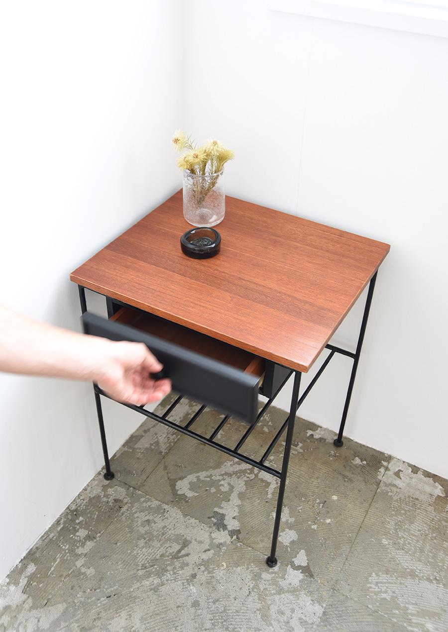 ヴィンテージのサイドテーブル 鉄脚 アイアン