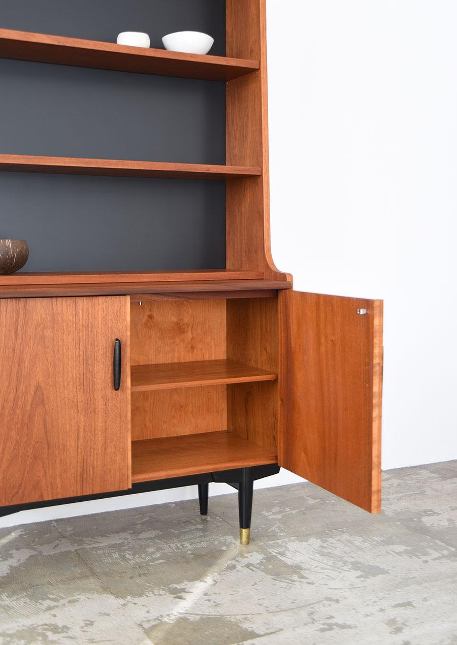 スウェーデン製の本棚 ブックシェルフ 真鍮とチーク材