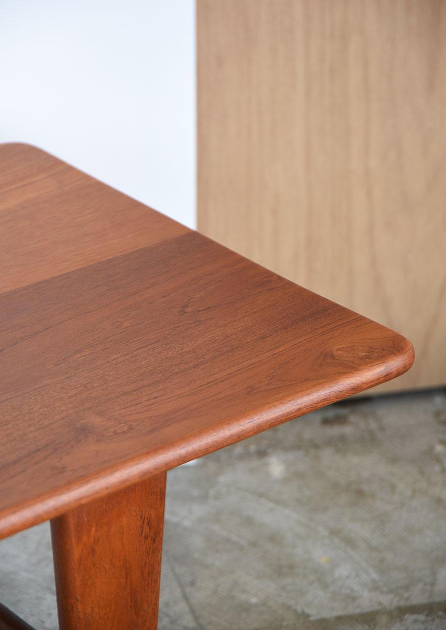 デンマーク製、無垢チーク材のコーヒーテーブル