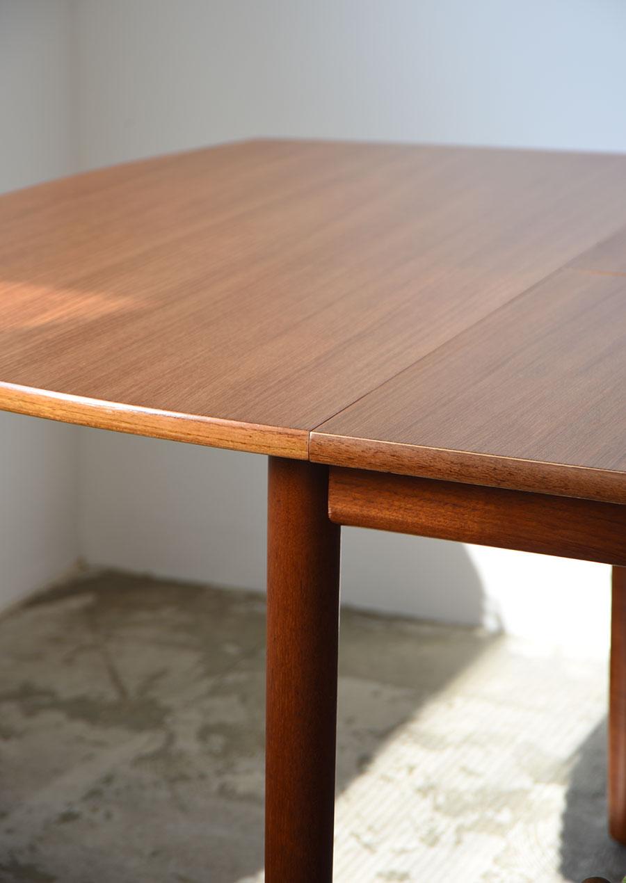 Svend Age Hansenのダイニングテーブル チーク材 ヴィンテージ