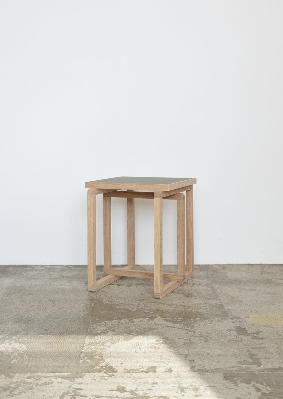 ihållande Original Side Table リノリウム サイドテーブル