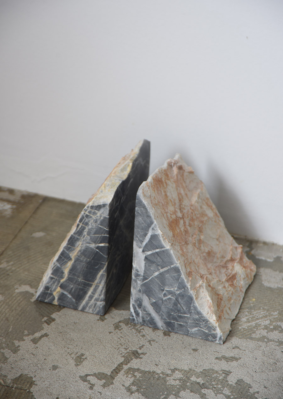 PUBLIC STUDIO Handmade Marble Bookend Gray Couple