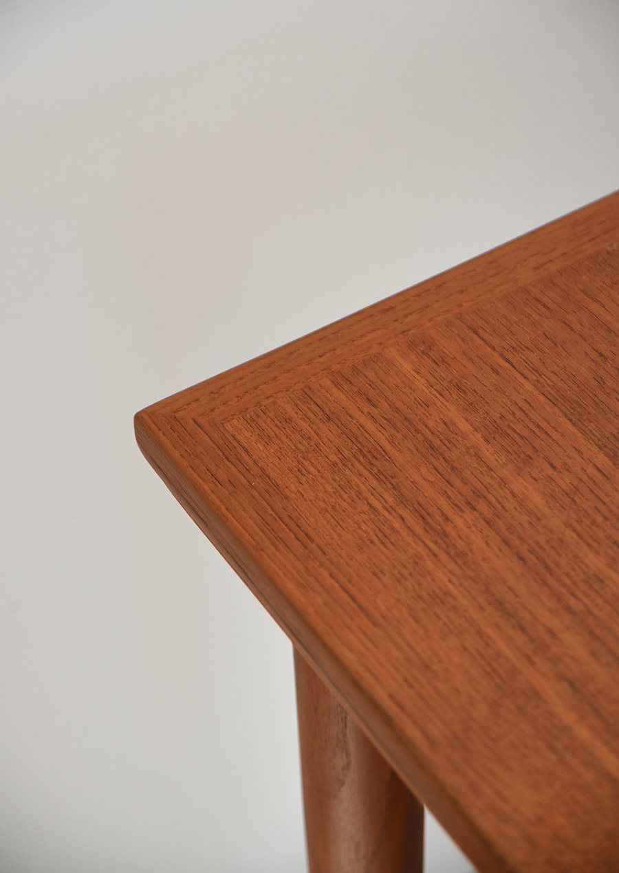 Square Dining Table in Teak ダイニングテーブル チーク 正方形